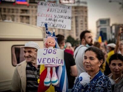 Protestul antiguvernamental din București în 10 FOTOGRAFII