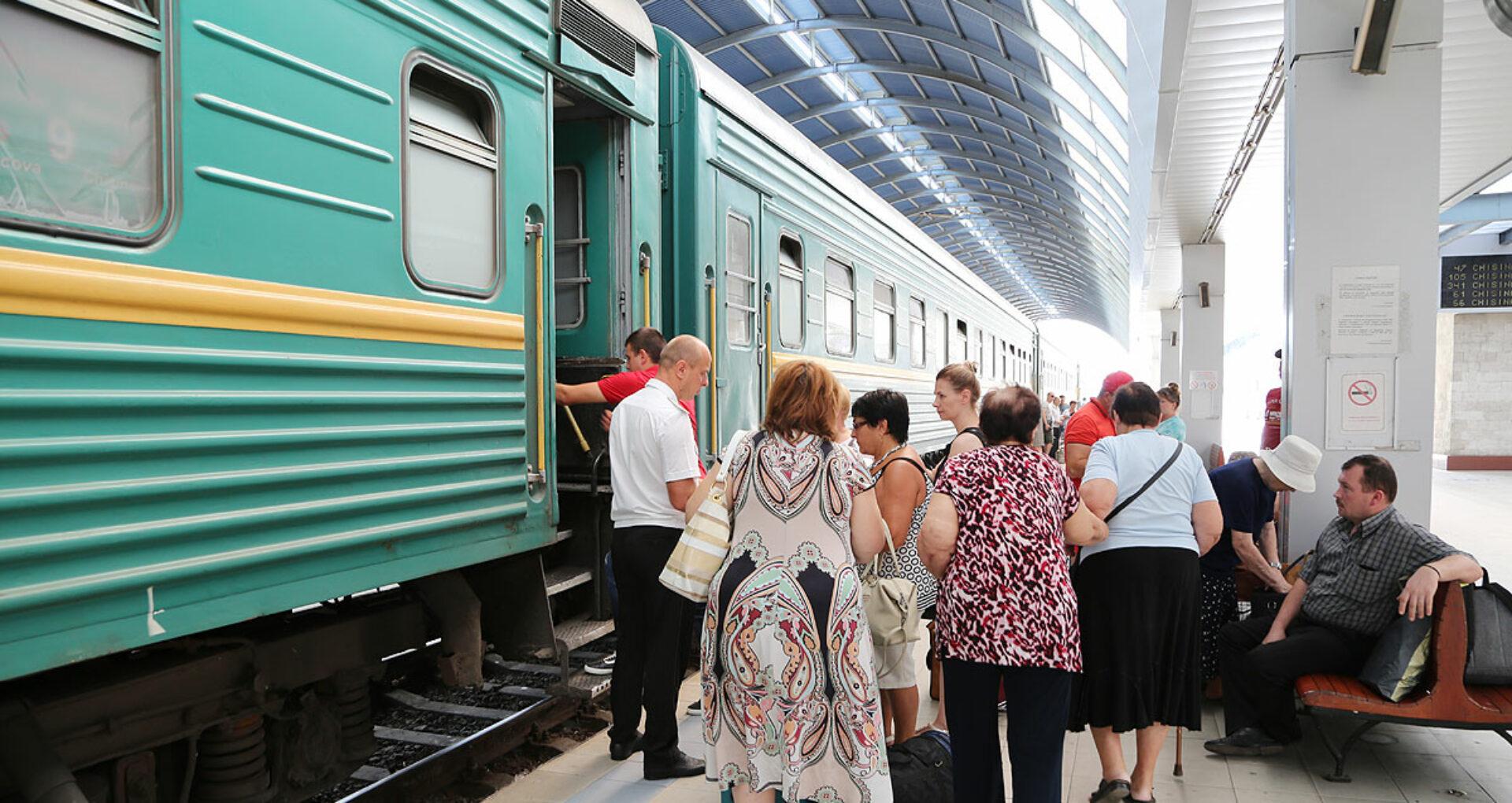 """DOC/ ÎS """"Calea Ferată a Moldovei"""" intenționează să suspende circulația tuturor trenurilor locale și suburbane. Director CFM: Este o propunere pentru a ameliora situația la întreprindere"""