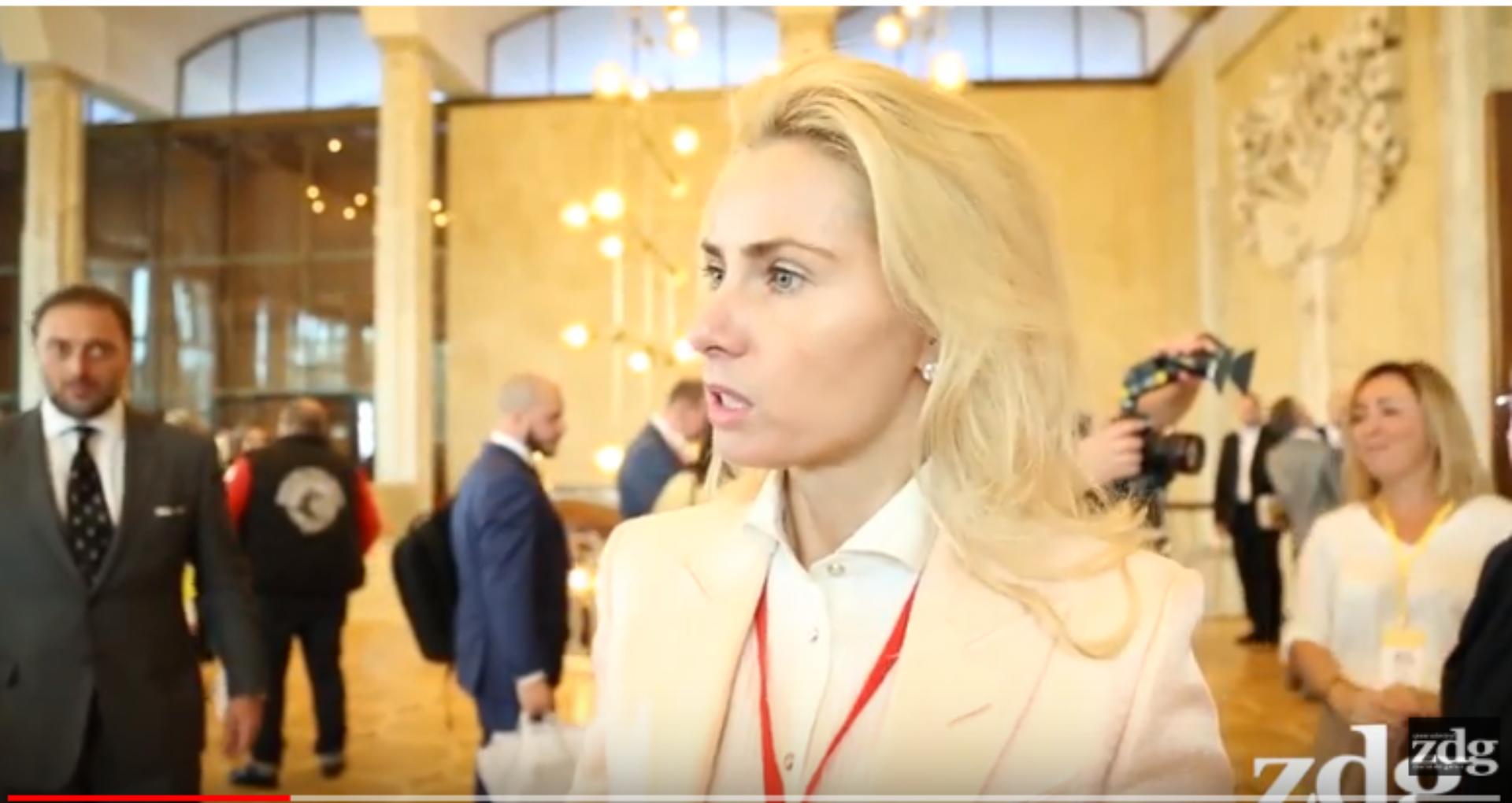 (VIDEO) Directoarea unui fond rus, căruia Ucraina i-a impus sancțiuni, prezentă la CMF, organizat sub egida lui Dodon