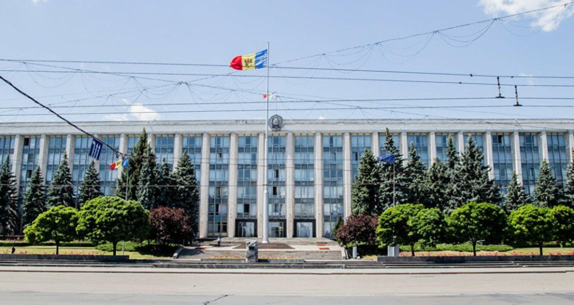 ULTIMA ORĂ/ Parlamentul a acordat vot de încredere Guvernului. Cine sunt noii miniștri