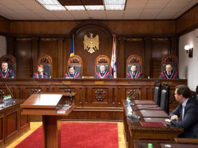 Decizia Curții Constituționale la solicitarea unui candidat democrat de a renumăra voturile în circumscripția nr.4