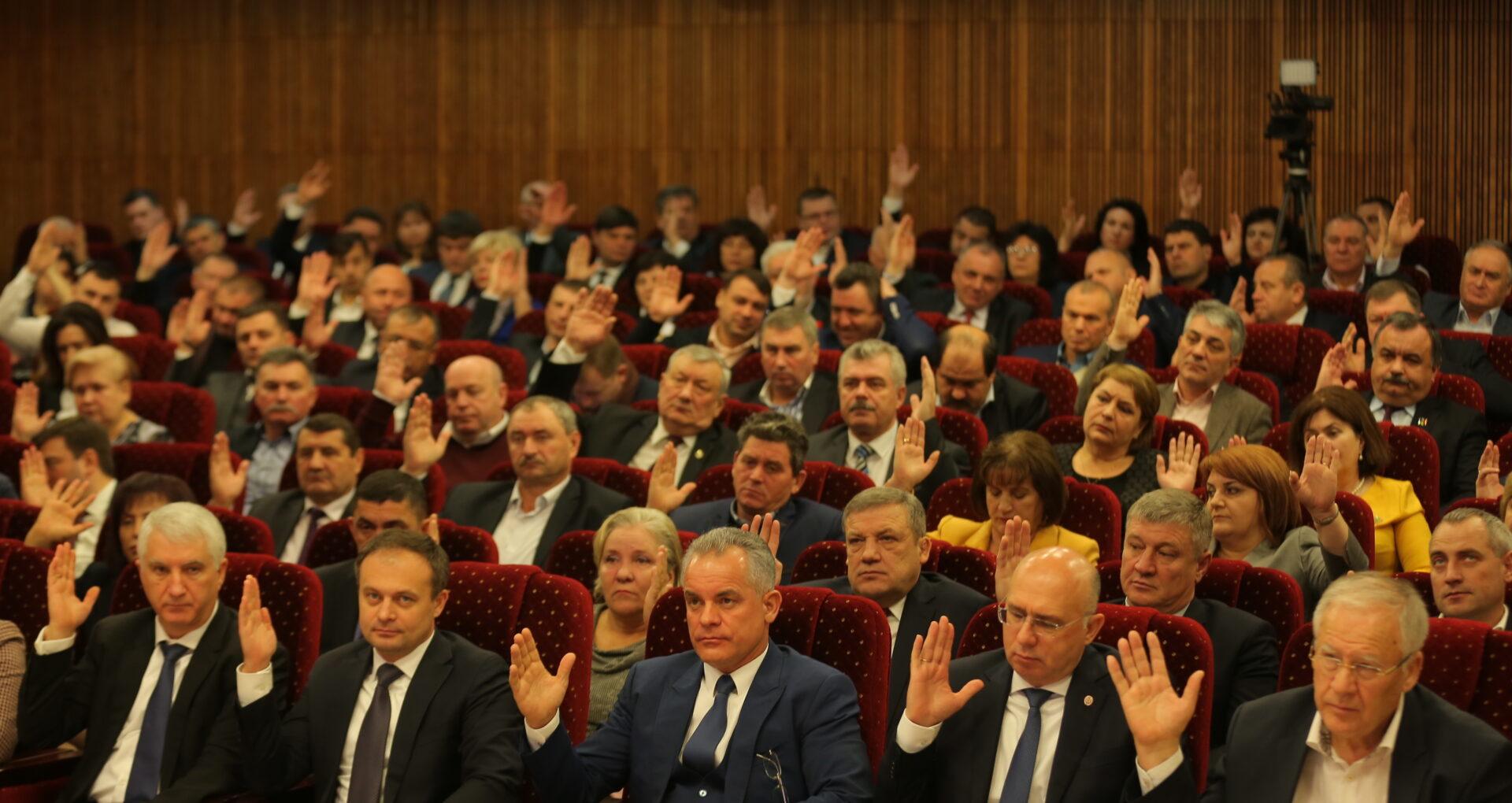 Lista candidaților democrați pe circumscripții: Filip, Plahotniuc, Țuțu, Jizdan și Gaburici, printre candidați