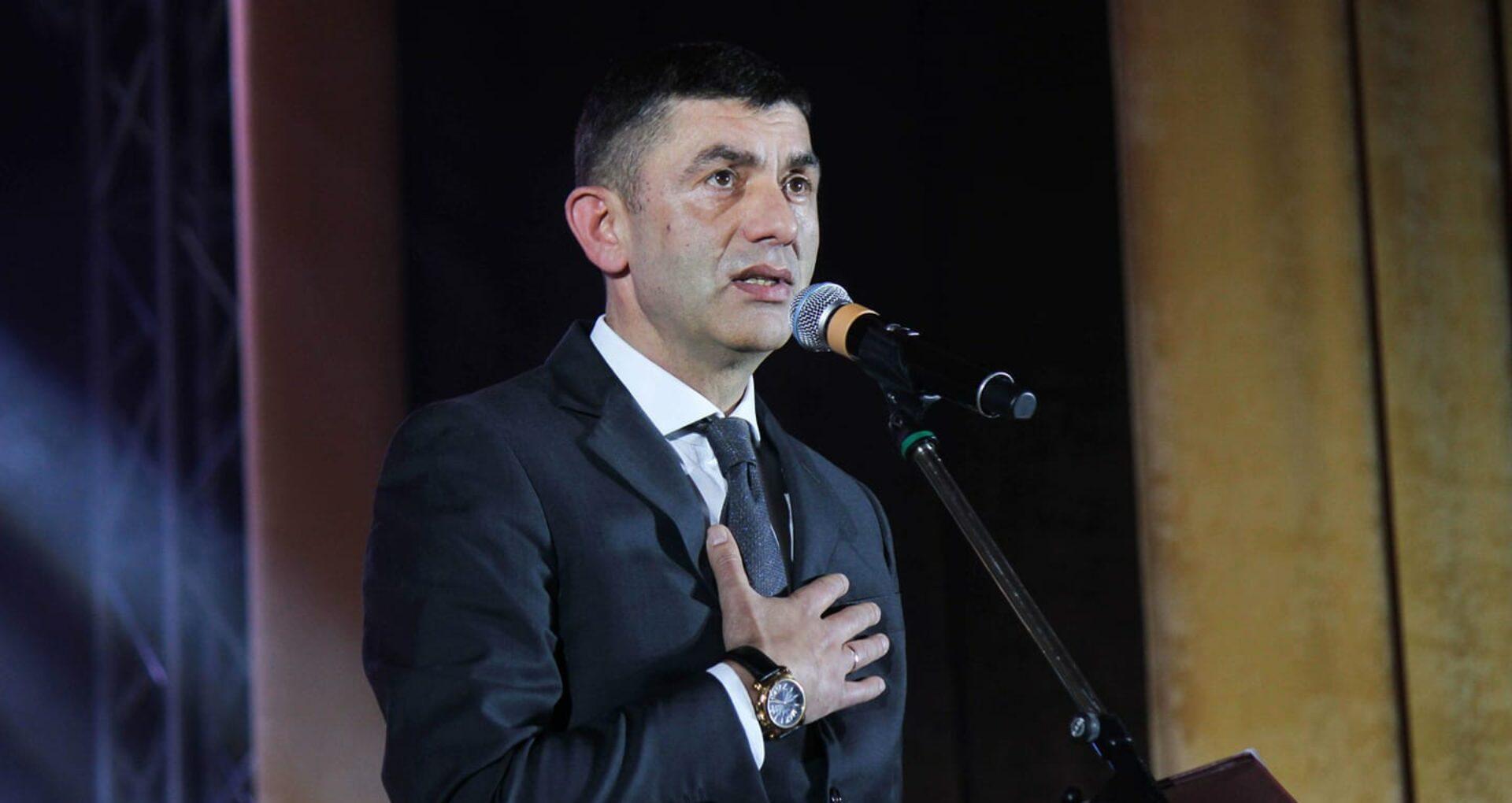 Alexandru Botnari a hotărât: renunță la mandatul de deputat în favoarea celui de primar