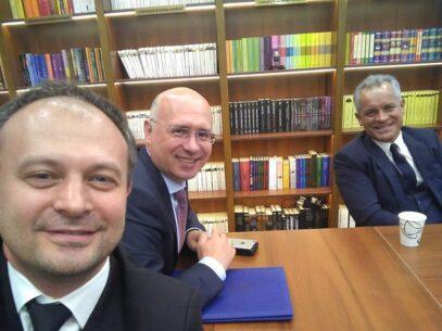 FOTO/ Vladimir Plahotniuc a apărut în spațiul public după o pauză de circa 8 săptămâni