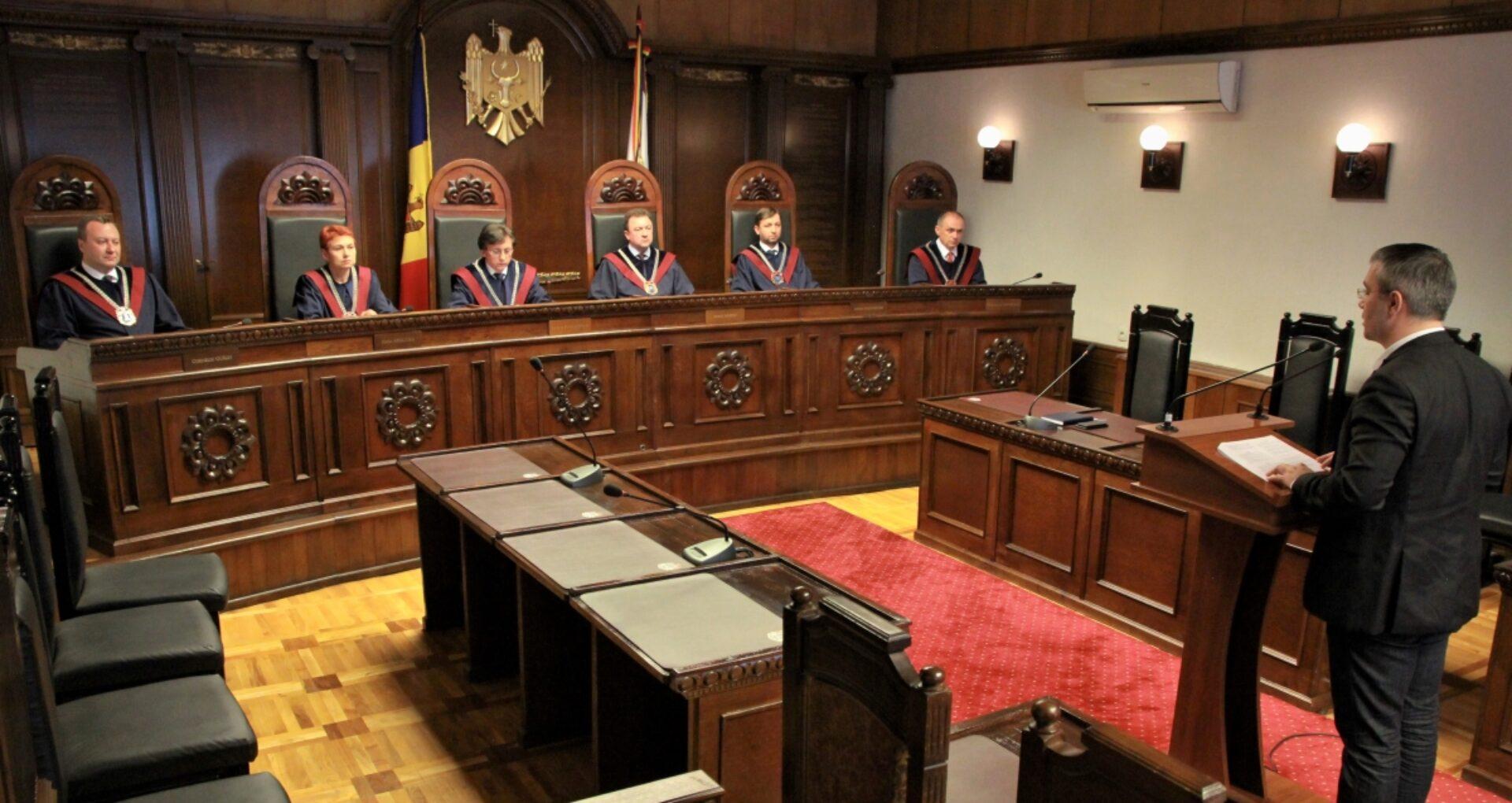 Judecătorii Curții Constituționale au demisionat in corpore
