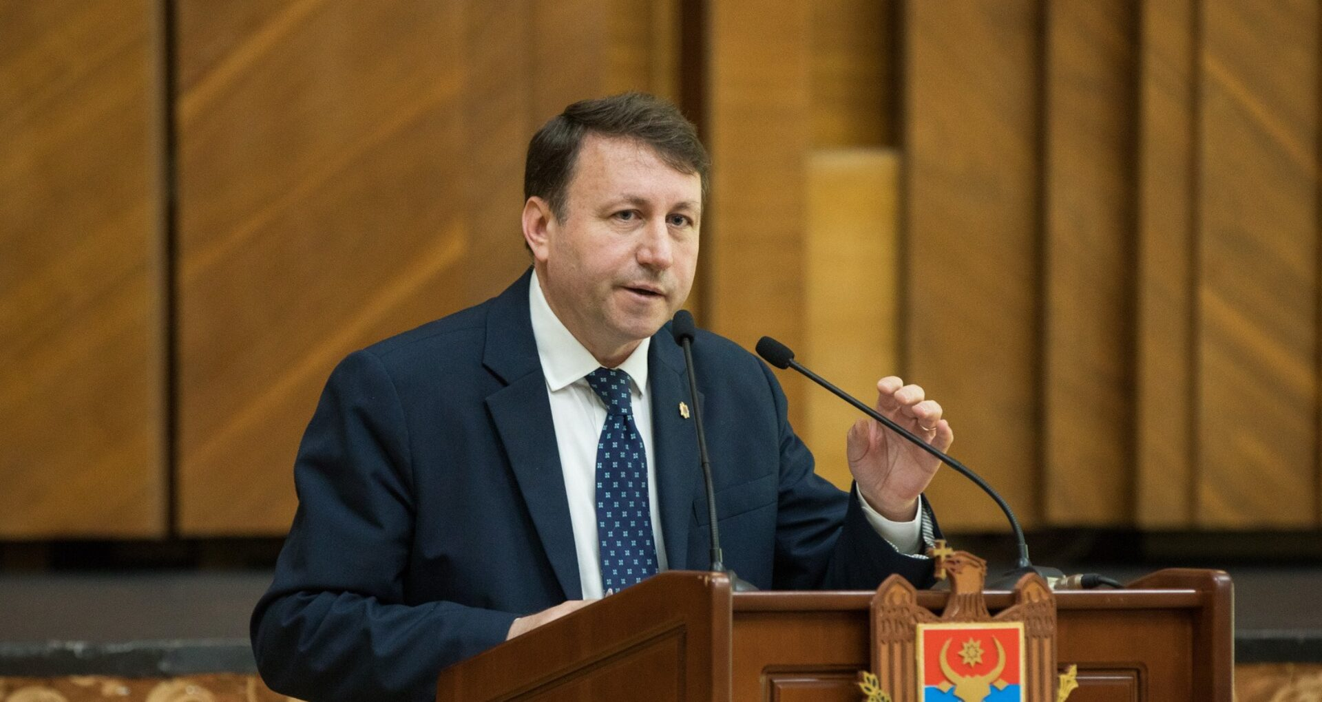 """LIVE/ Igor Munteanu: """"Există toate temeiurile juridice pentru anularea contractului de concesiune a AIC"""""""