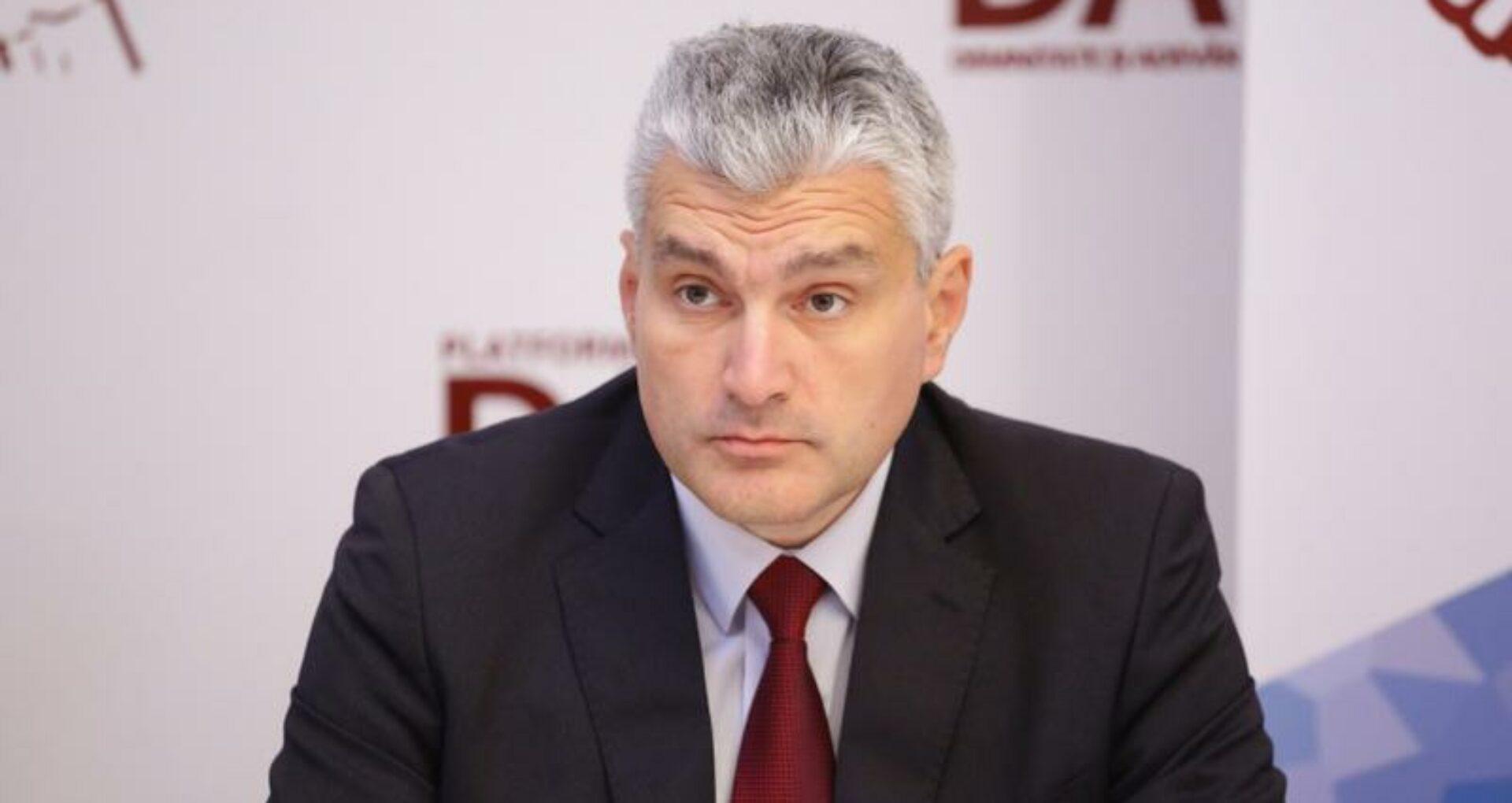 """DOC/ Alexandru Slusari a publicat o parte din raportul Consiliului Concurenței privind acordurile de cartel pe piața petrolieră din R. Moldova: """"Nu vrem să prejudiciem ancheta, deocamdată, nu divulgăm denumirile"""""""