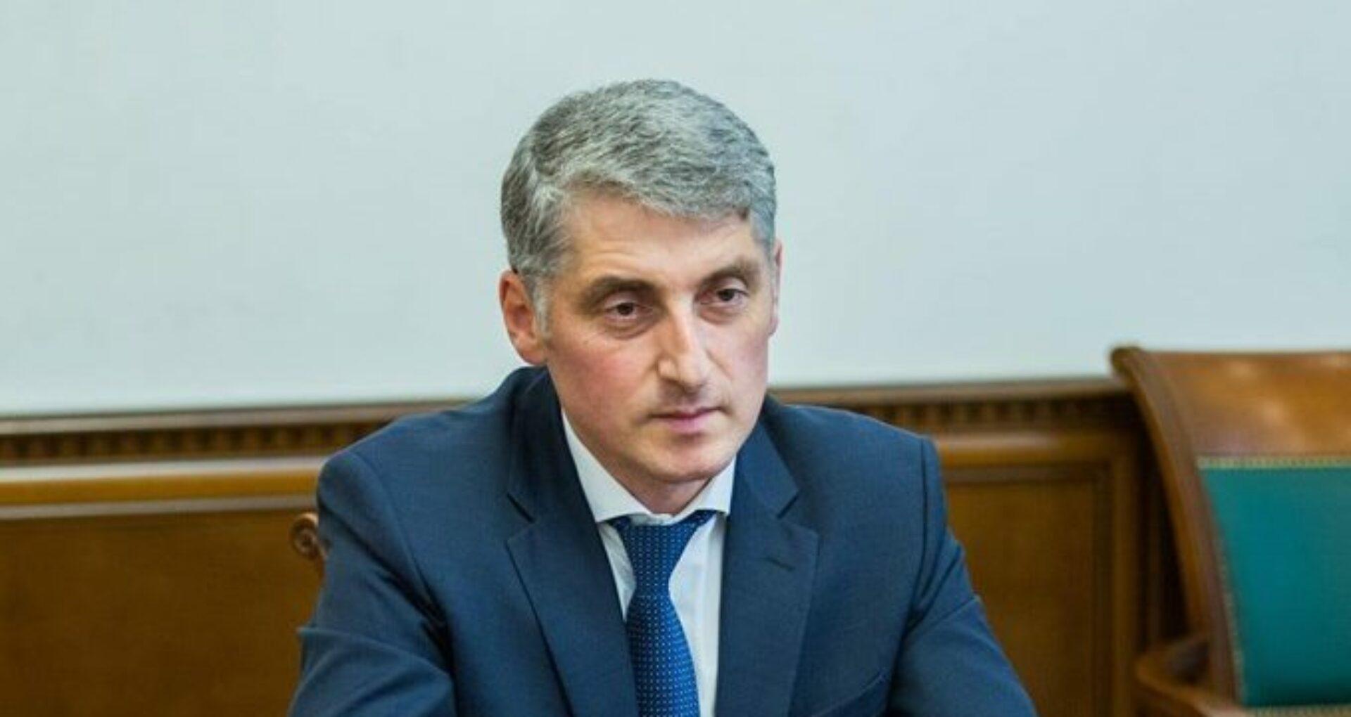 FOTO/ Cum arată cererea de demisie a procurorului general Eduard Harunjen