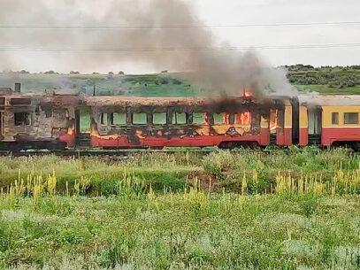 De ce ard trenurile CFM?