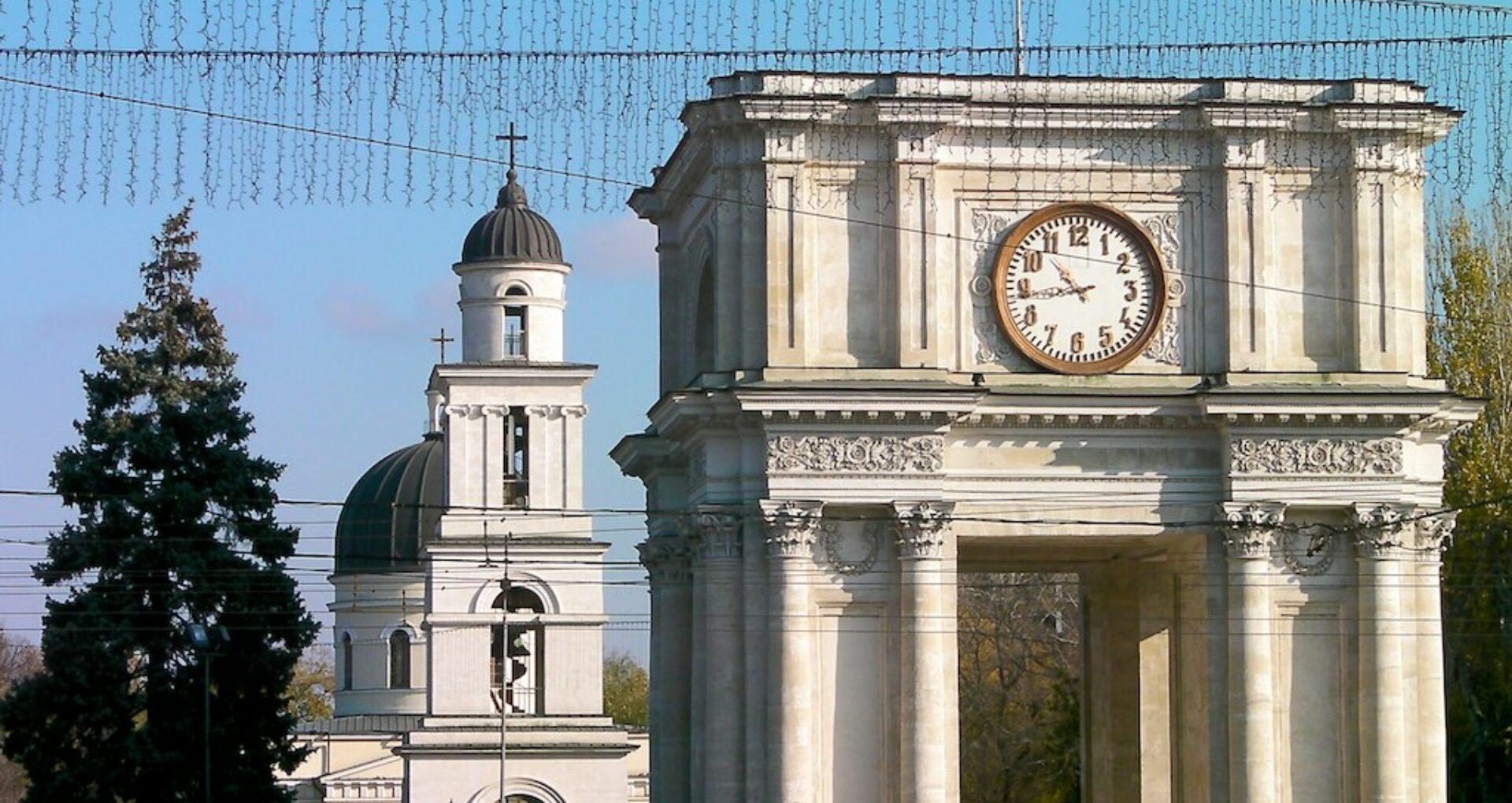 Mitropolia Chișinăului vrea să preia în gestiune Arcul de Triumf