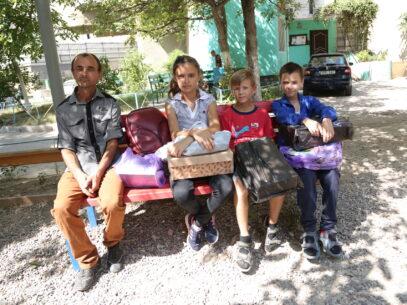 VIDEO/ La piață cu un tată, trei elevi și șase mii de lei. Experiment ZdG înainte de primul sunet de clopoțel