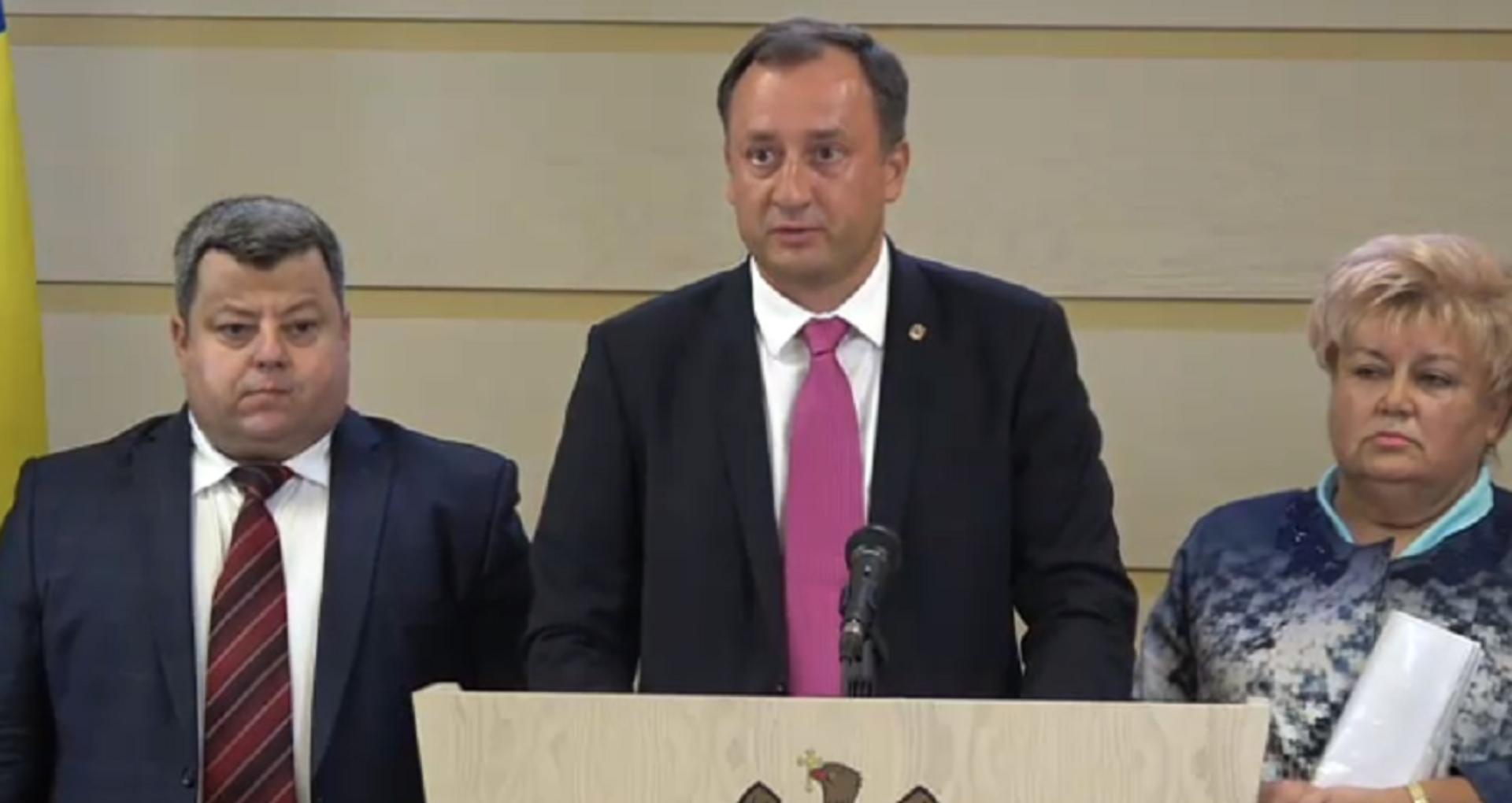 """VIDEO/ Fracțiunea Partidului """"Șor"""" părăsește ședința Parlamentului"""