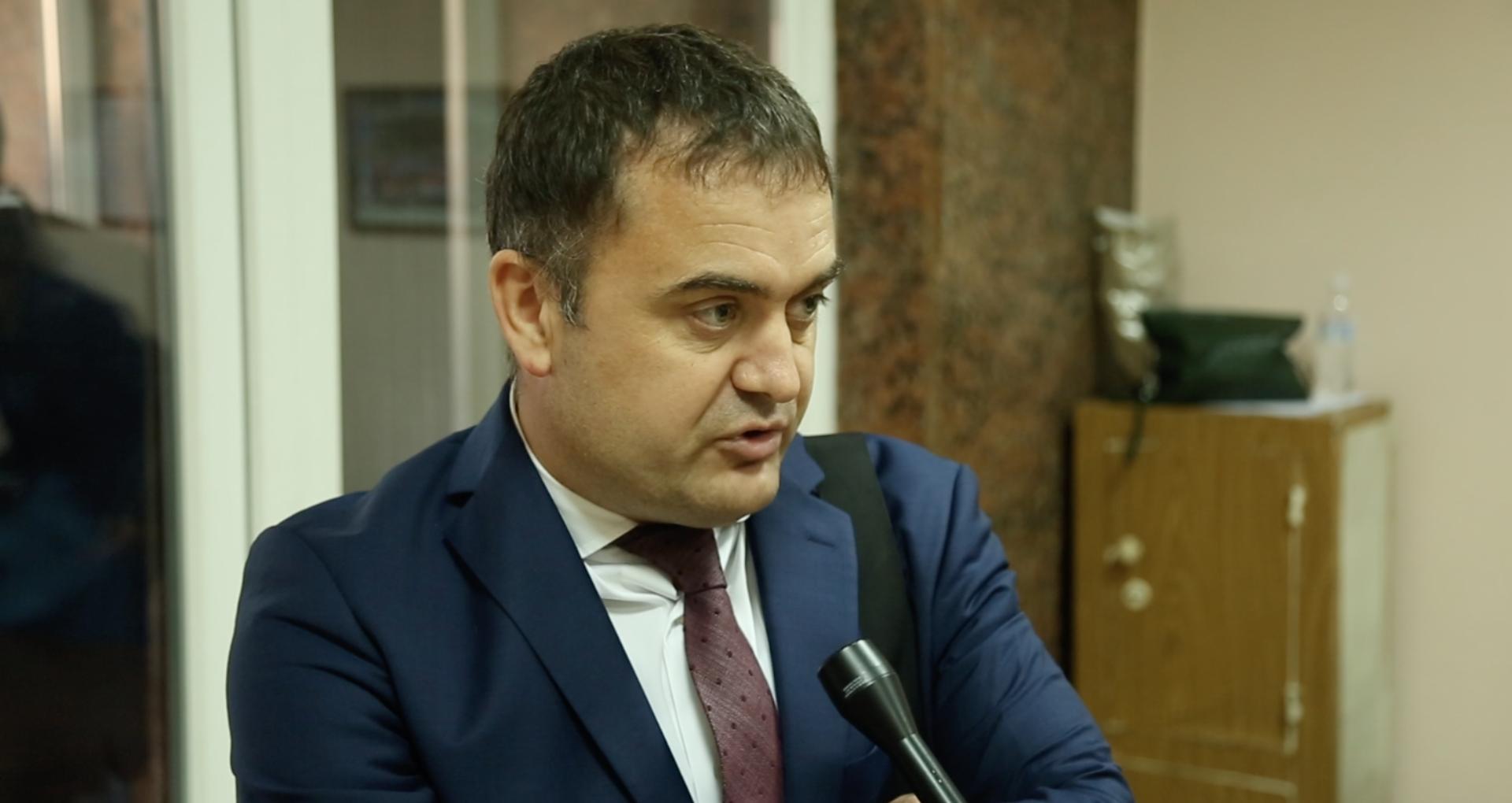 Vladislav Clima a acționat-o in judecată pe președinta R. Moldova, Maia Sandu: solicită verificarea legalității decretului prin care a fost demis din funcția de președinte al Curții de Apel Chișinău