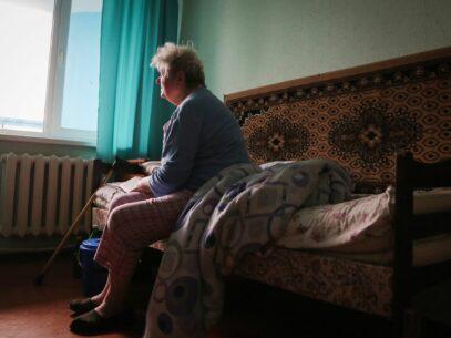 """VIDEO/ """"Nu votăm, nu ne dă voie!"""" Discriminarea vârstnicilor în cadrul procesului de votare"""