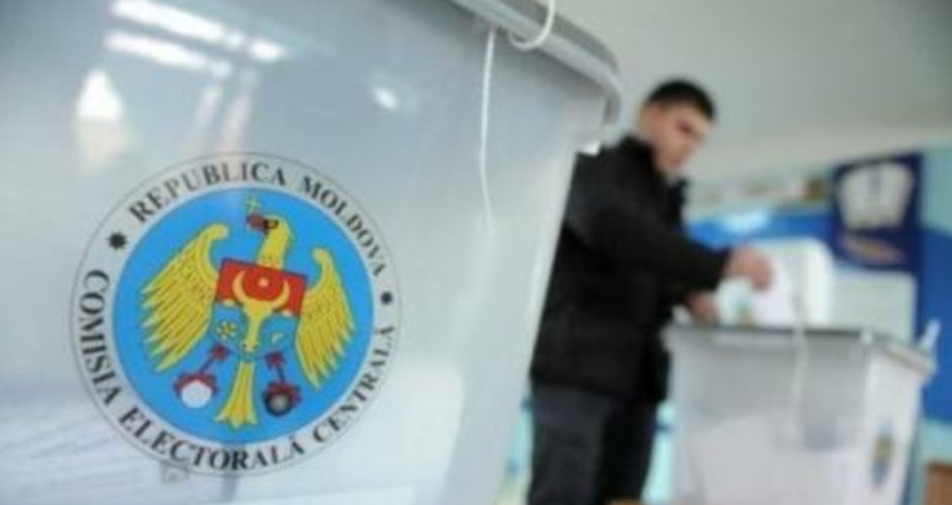 DOC/ Persoanele care vor merge să voteze până la ora 15:00, dar vor prezenta simptome asociate COVID-19, nu vor fi lăsate să intre în secția de votare