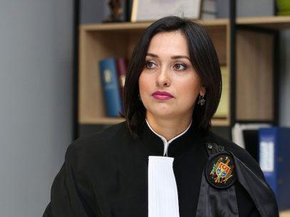 DOC/ Judecătoarea Victoria Sanduța, transferată la o altă instanță fără acordul ei, câștigă procesul intentat împotriva CSM