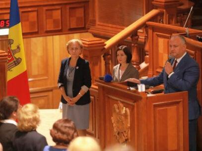 Membrii fracțiunii PSRM, la discuții, în Parlament, cu premierul Maia Sandu