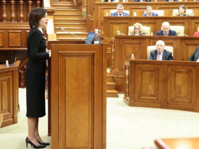 LIVE/ Zi decisivă pentru Guvernul condus de Maia Sandu. Partidul Șor s-a abținut de la vot, iar PD și PSRM au votat împreună moțiunea