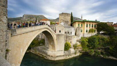 Mostar este un orășel de poveste din Bosnia-Herțegovina