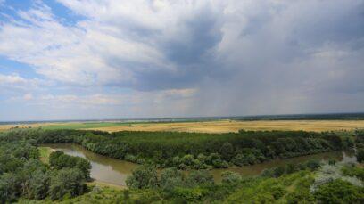 Cel mai mare râu din Moldova este Nistrul.