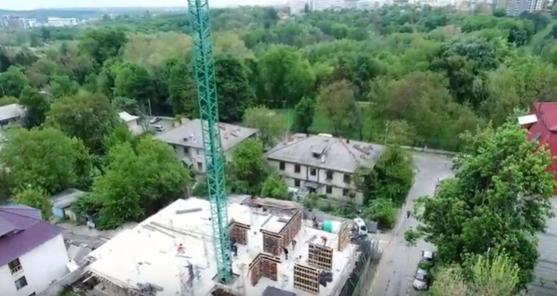 """O companie care construia un bloc locativ în apropiere de Parcul """"Dendrariu"""" a rămas fără certificat de urbanism"""
