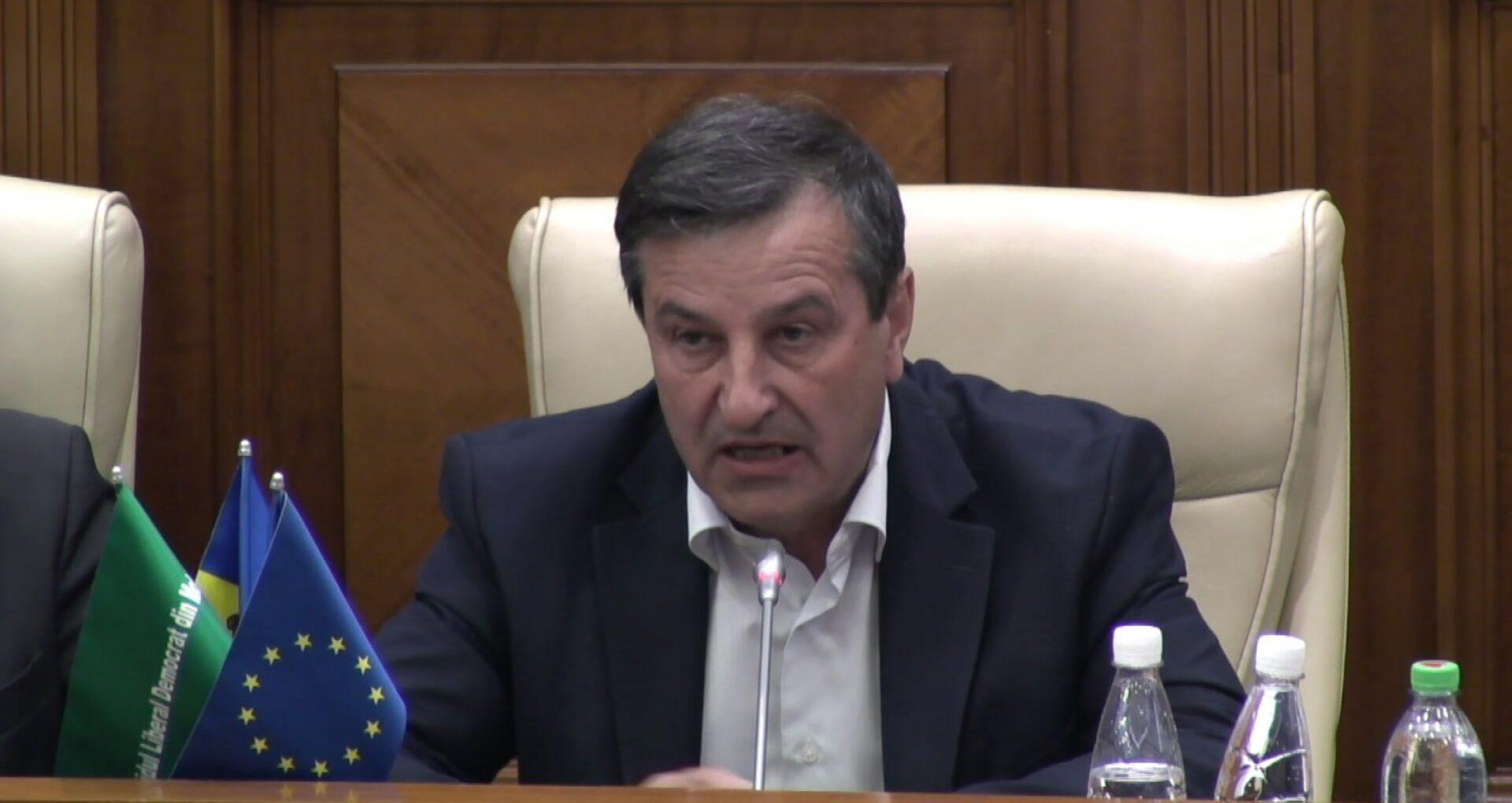 Membrul PAS Grigore Cobzac intenționează să candideze independent la alegerile din 15 martie. Reacția PAS și a PPDA