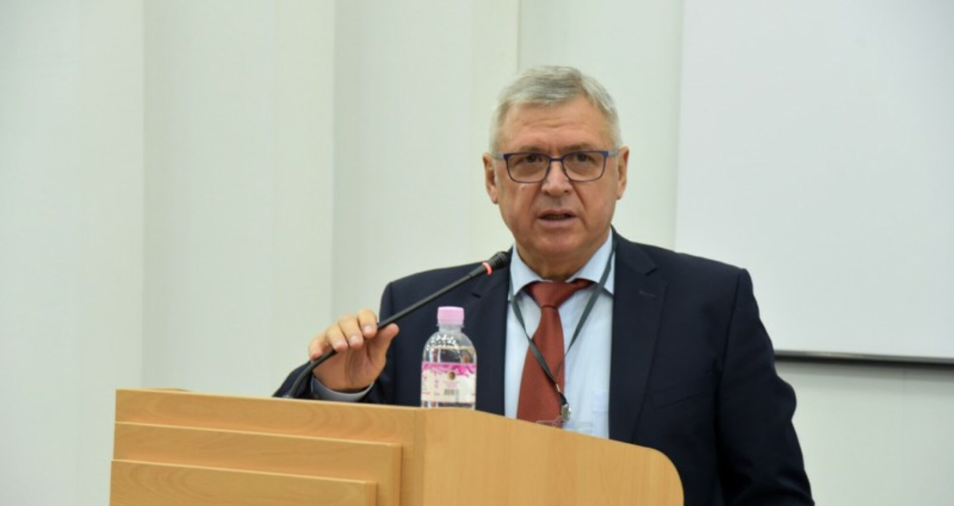 Anatol Ciubotaru, ex-directorul Spitalului Republican, a fost restabilit în funcție printr-o decizie a Curții Supreme de Justiție
