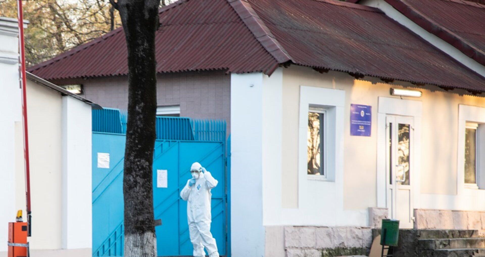 Autoritățile promit câte 16.000 de lei pentru medicii și polițiștii infectați cu virusul COVID-19. Măsurile suplimentare care urmează a fi adoptate