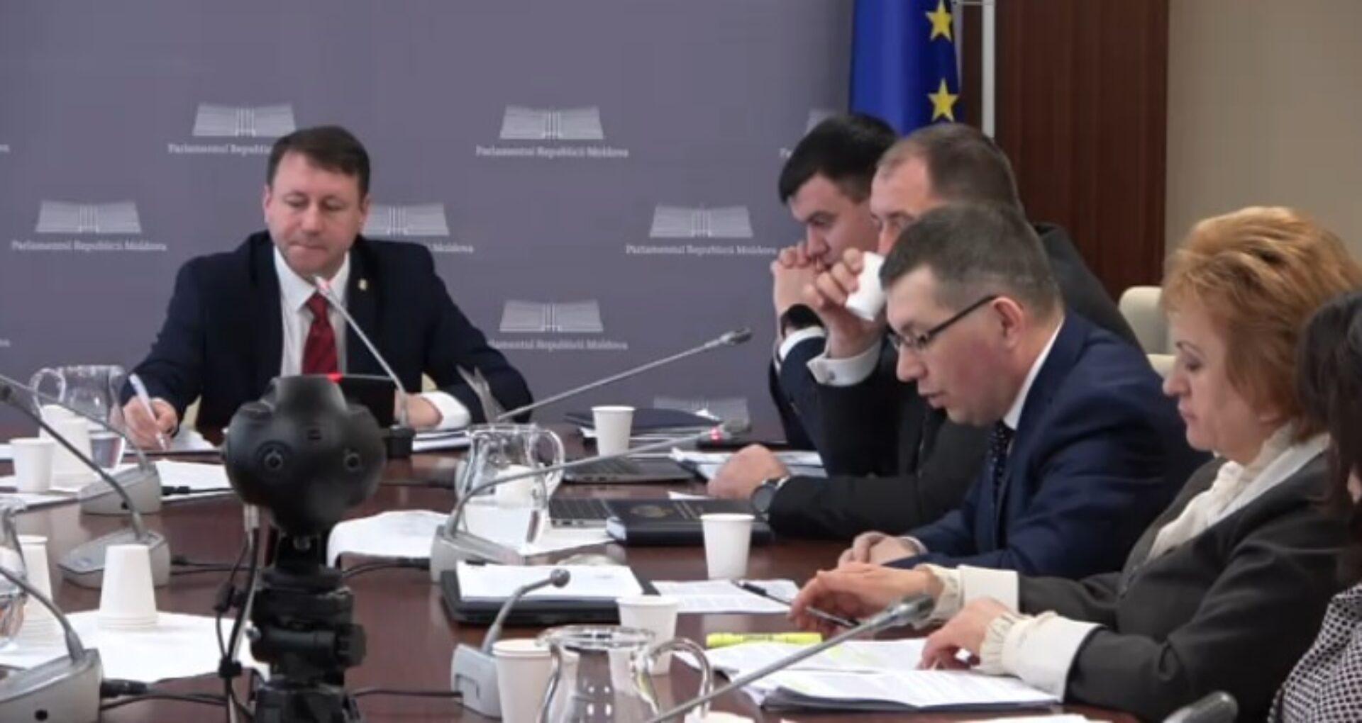 """VIDEO/ Cum a fost """"executat"""" contractul de concesiune a Aeroportului Internațional Chișinău? Raportul – prezentat la Parlament"""