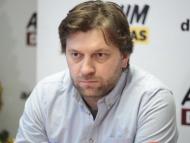VIDEO/ Deputatul Dumitru Alaiba îi solicită procurorului general să se autosesizeze în cazul semnăturii lui Șor pe un proiect de hotărâre