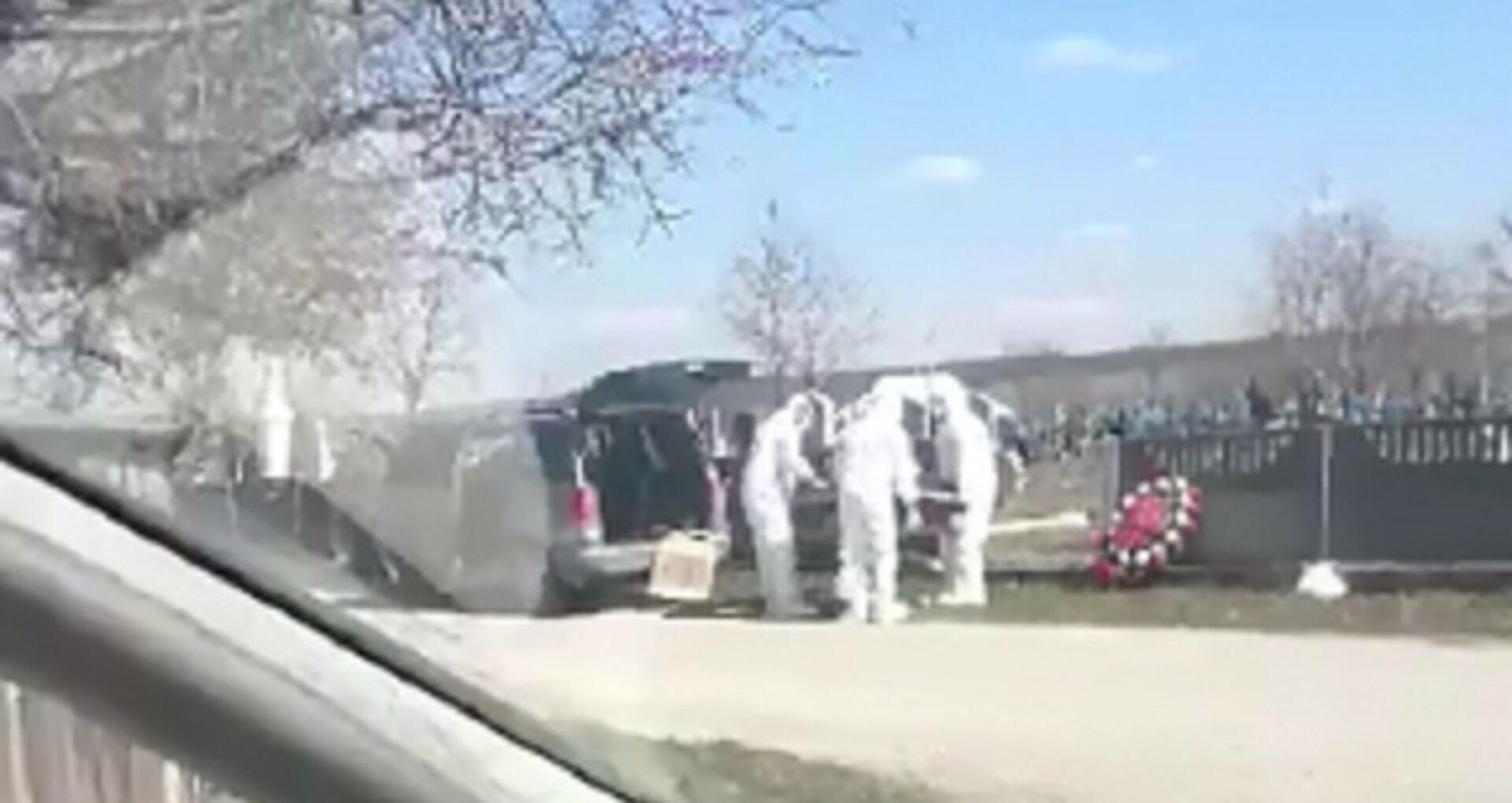 VIDEO/ Cum a fost înmormântat bărbatul din Briceni care a decedat din cauza infecției cu Covid-19. Detalii de la primarul localității