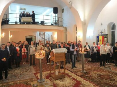 """O biserică a refuzat o donație de 3 mii de lei făcută """"la inițiativa președintelui R. Moldova"""".  """"Beneficiind de astfel de donații, preoții, vor sau nu, vor trebui să facă politică"""". Parohul Bisericii este soțul unei deputate din opoziție"""
