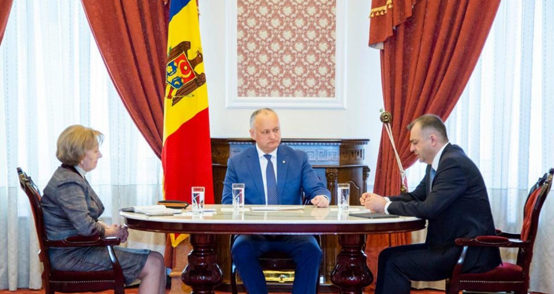 Oficial/ Veniturile celor care conduc R. Moldova. Ce salarii au primit Dodon, Chicu și Greceanîi în 2019