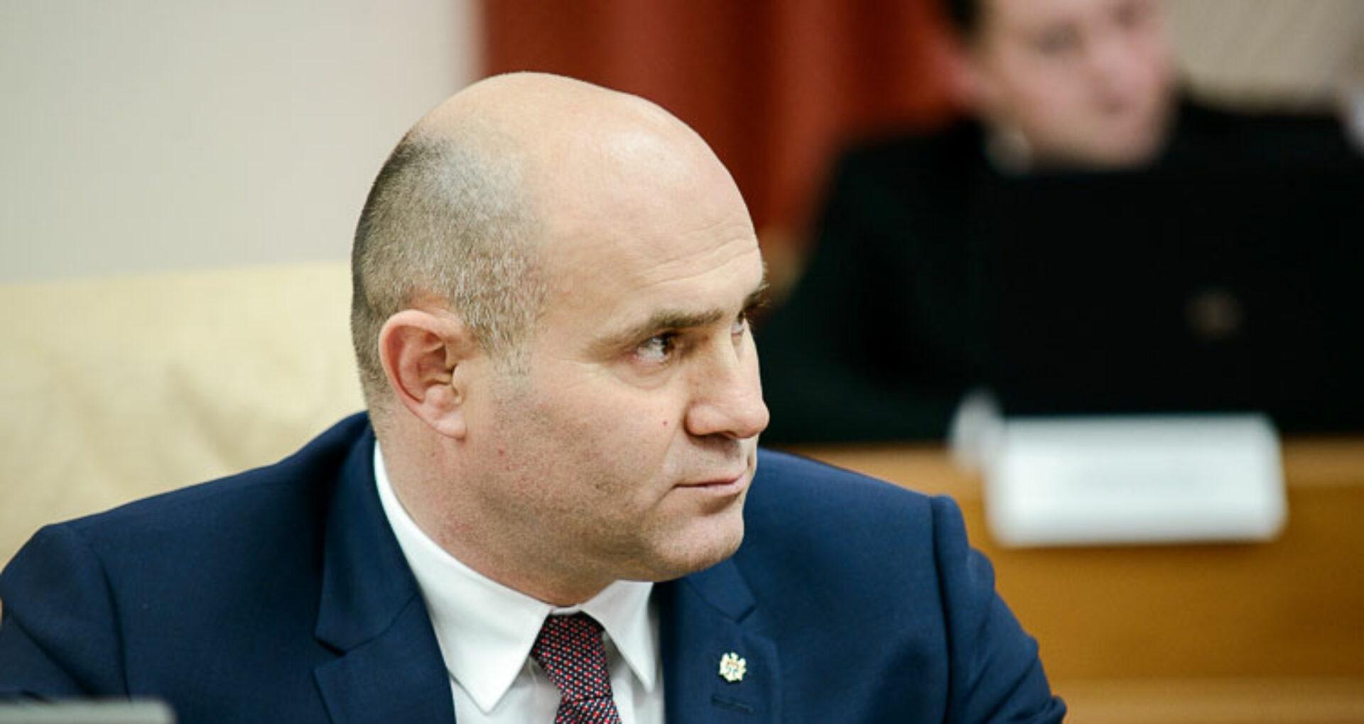 Interviu/ Pavel Voicu, ministrul de Interne, vorbește despre lupta cu Covid-19, amenzile aplicate pe timp de carantină, relația cu Igor Dodon și salariile polițiștilor