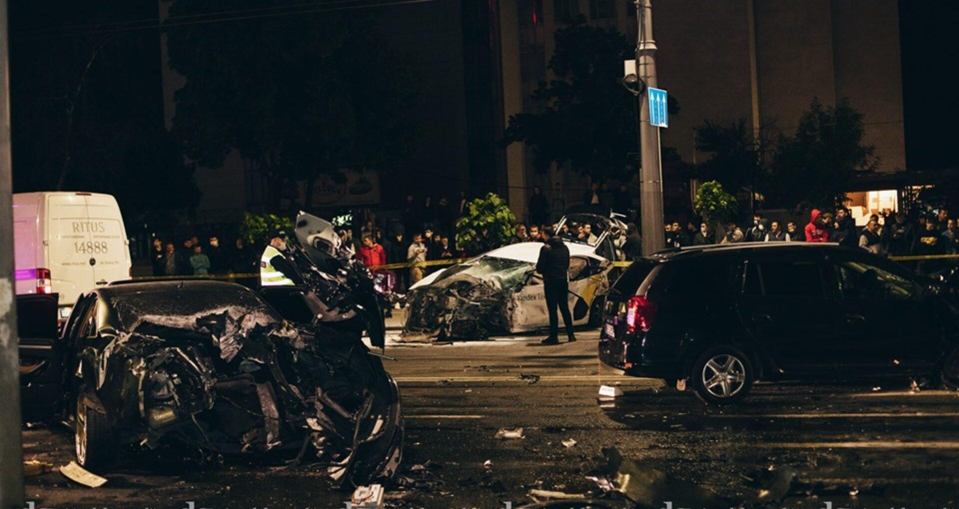 Video/ Cum s-a produs accidentul de pe bd. Ștefan cel Mare în care au fost implicate 4 mașini, două persoane și-au pierdut viața, iar altele patru au ajuns la spital. Momentul impactului