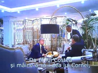 """VIDEO/ Reniță prezintă secvența cu pachetul """"dintr-un alt unghi de vedere"""". Ce îl atenționează pe Dodon"""