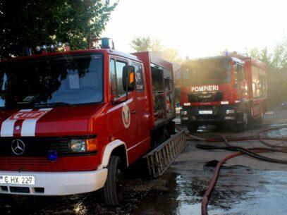 Incendiu într-un depozit din Chișinău. Focul a distrus bunuri pe o suprafață de 6 m²