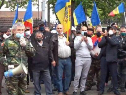 Poliția s-a autosesizat în urma protestului organizat de veterani în PMAN: Participanții riscă amenzi de până la 25 de mii de lei