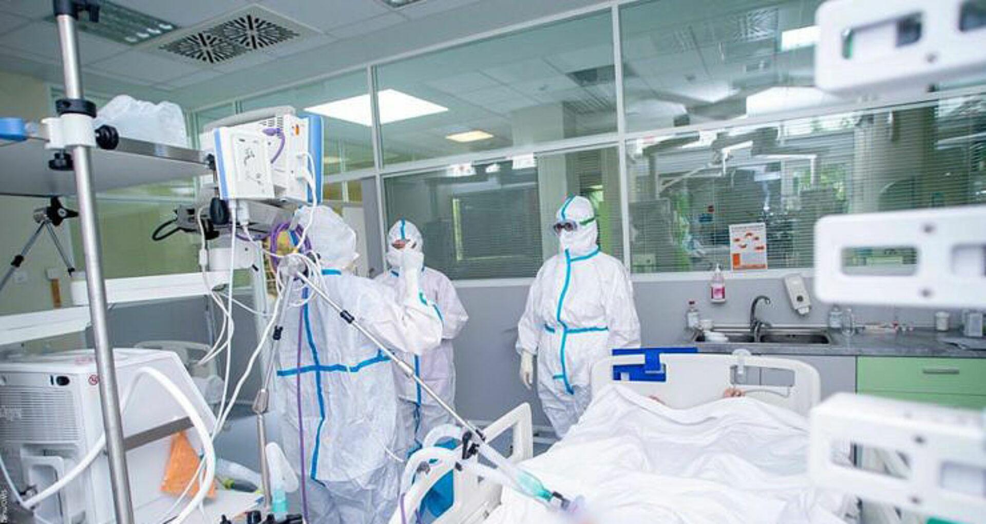 Ministerul Sănătății confirmă al 26-lea deces provocat de Covid-19 printre lucrătorii medicali: 435 de persoane sunt în stare gravă, iar 30 de pacienți, conectați la aparate de respirație asistată