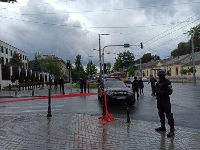 FOTO/ Alerta cu bombă de la sediul Ambasadei Rusiei la Chișinău, falsă