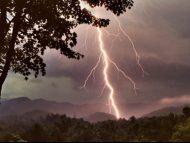 Prognoza meteo pentru următoarele șapte zile: Averse cu descărcări electrice