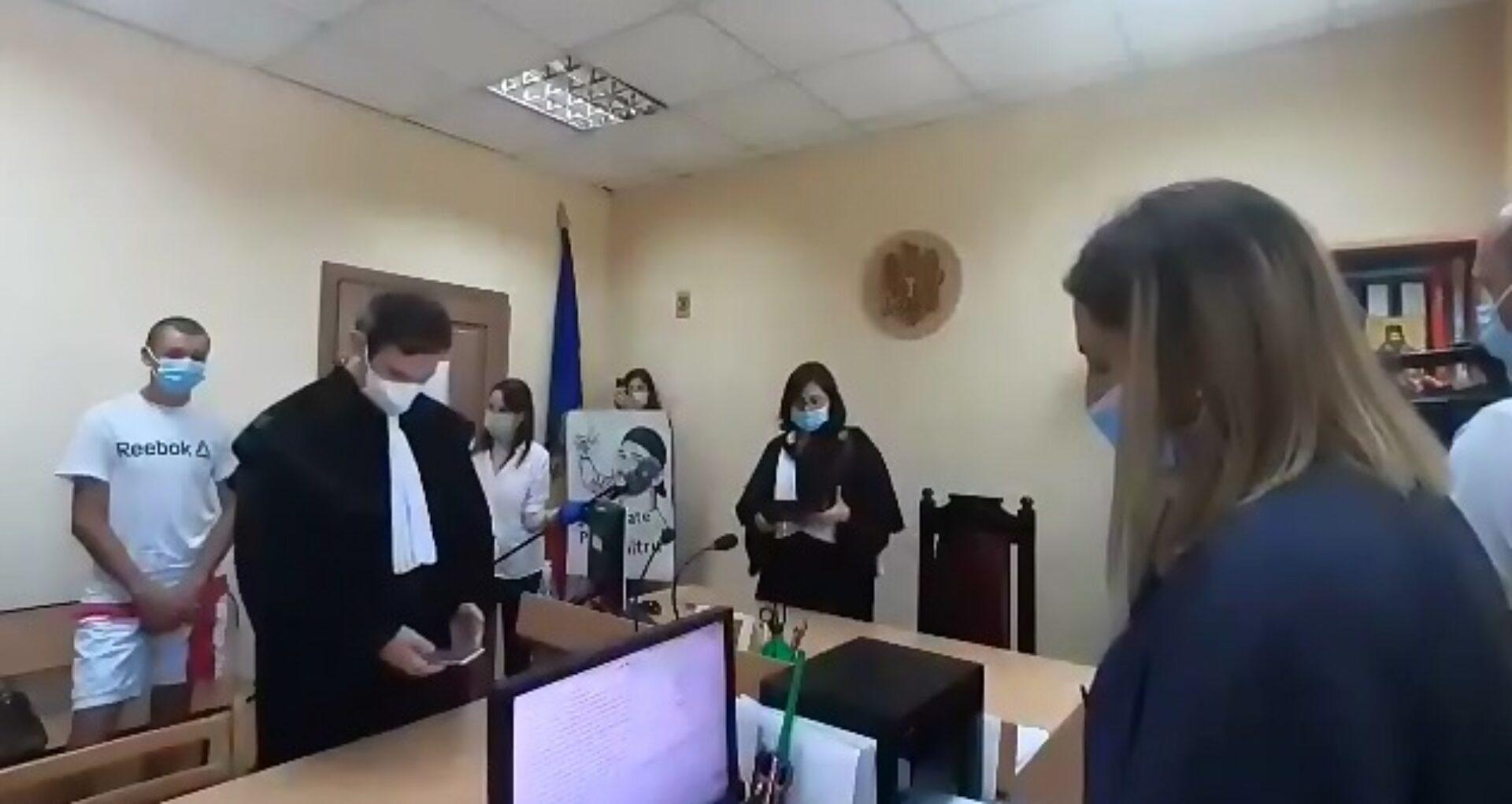VIDEO/ Omorul de la Costești: Pedeapsa primită cei doi tineri învinuiți de omorul lui Dumitru. Sentința pronunțată de către magistrați