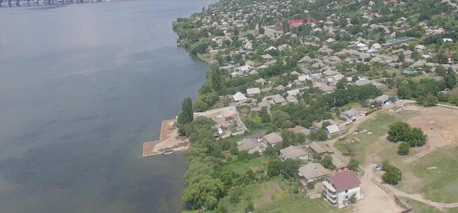 VIDEO/ Construcție neautorizată pe Nistru. Proprietari: cumnatul și prietenii președintelui Dodon