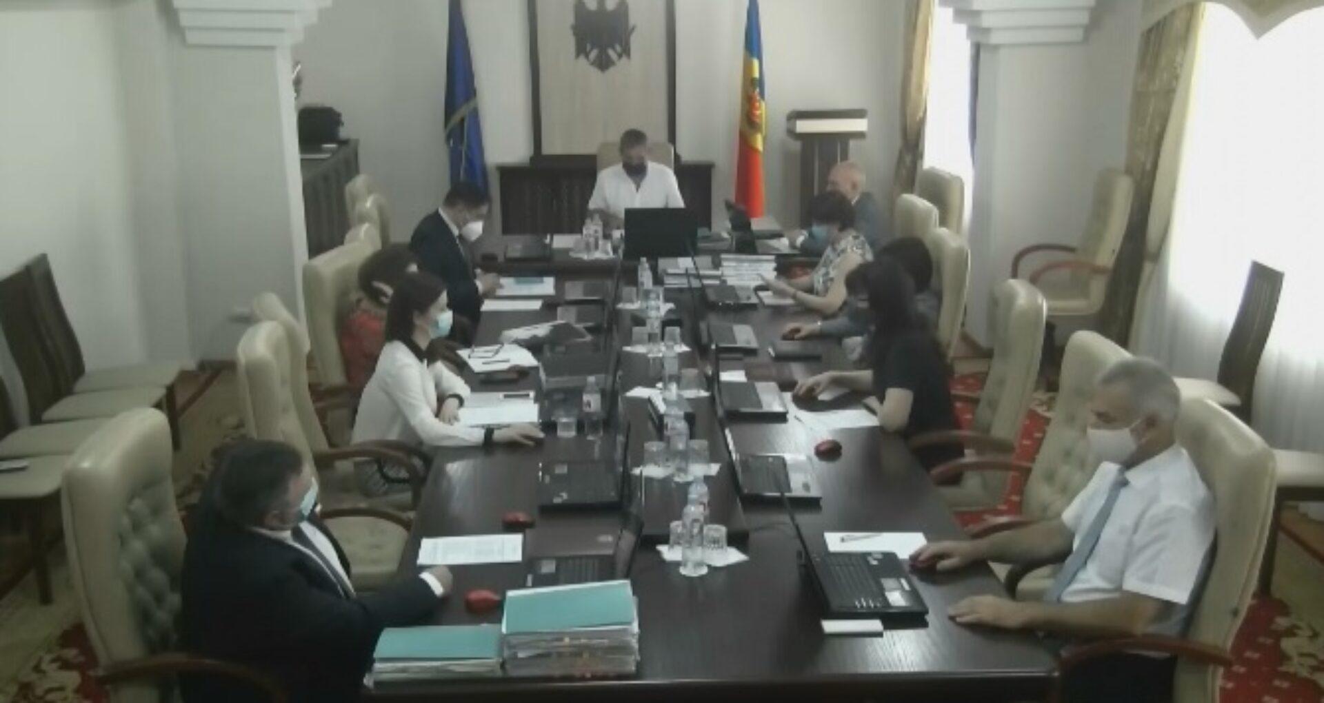 Video/ Membrii CSM în ședință: pe agendă – 18 subiecte