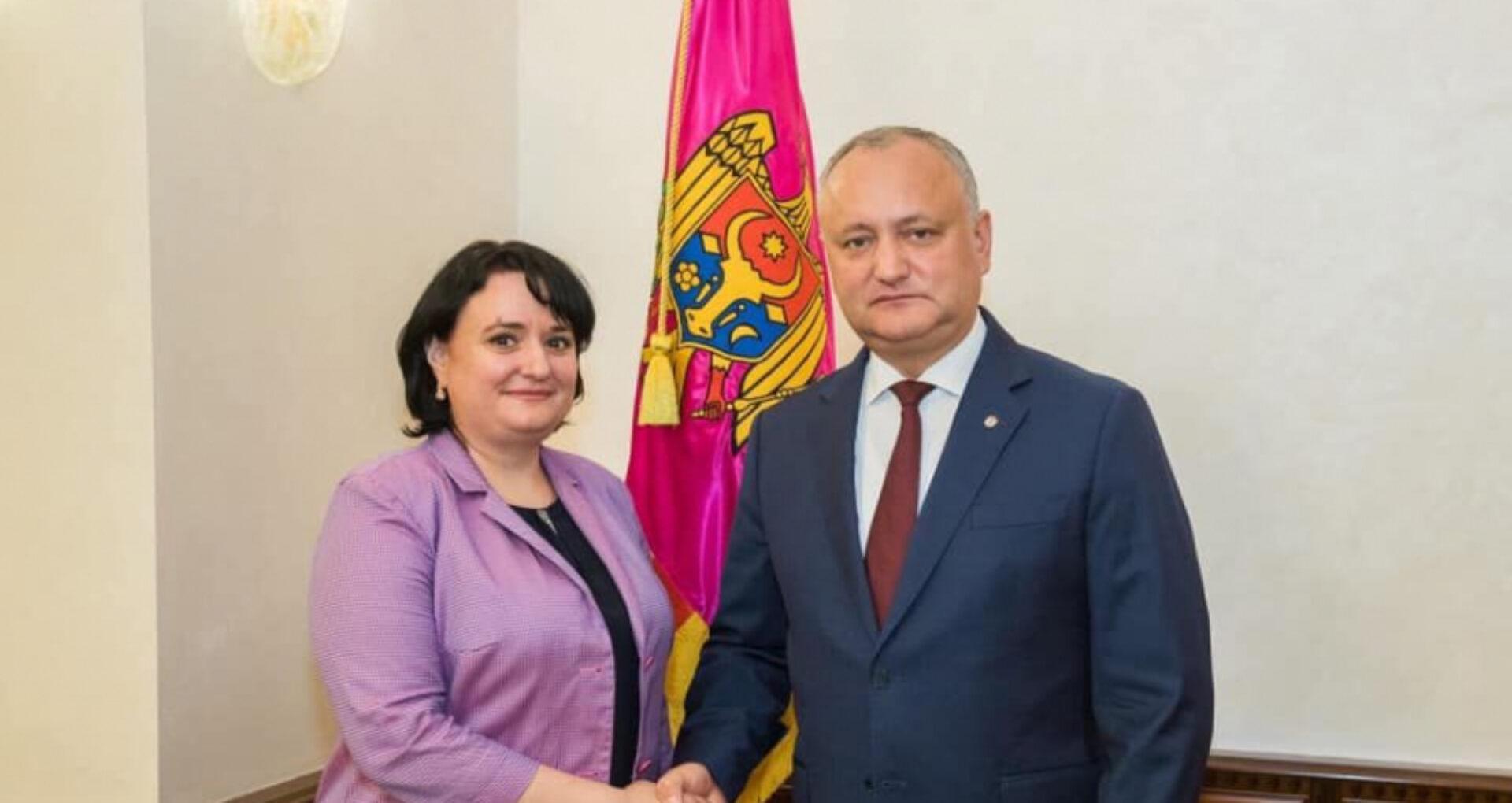 """Președintele Dodon despre ministra Sănătății: """"R. Moldova a trecut de vârful epidemiei. O să o înaintez pe Viorica Dumbrăveanu la o distincție de stat, Gloria Muncii"""""""
