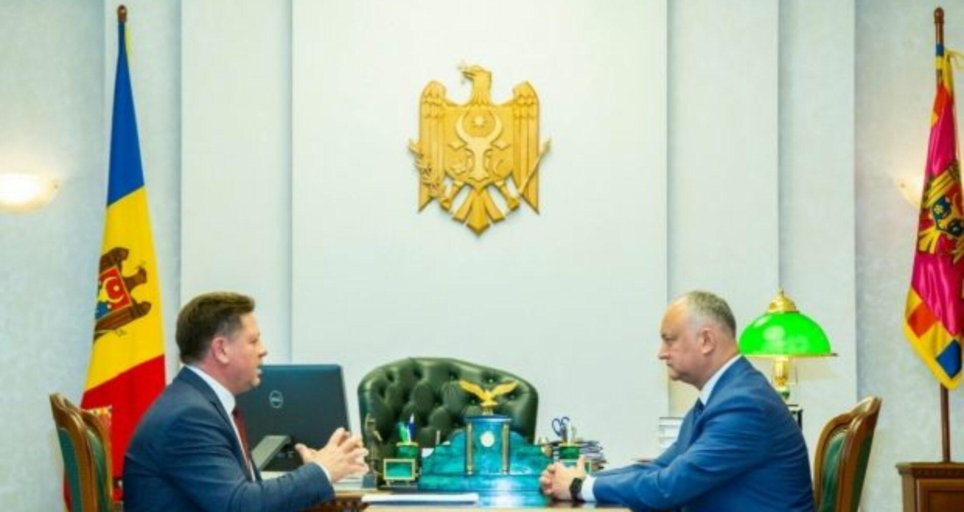 """Dodon, despre plecarea lui Gațcan din PSRM: """"O rudă de-a Violetei Ivanov i-a pus lui Gațcan 500 de mii de euro pe masă"""""""