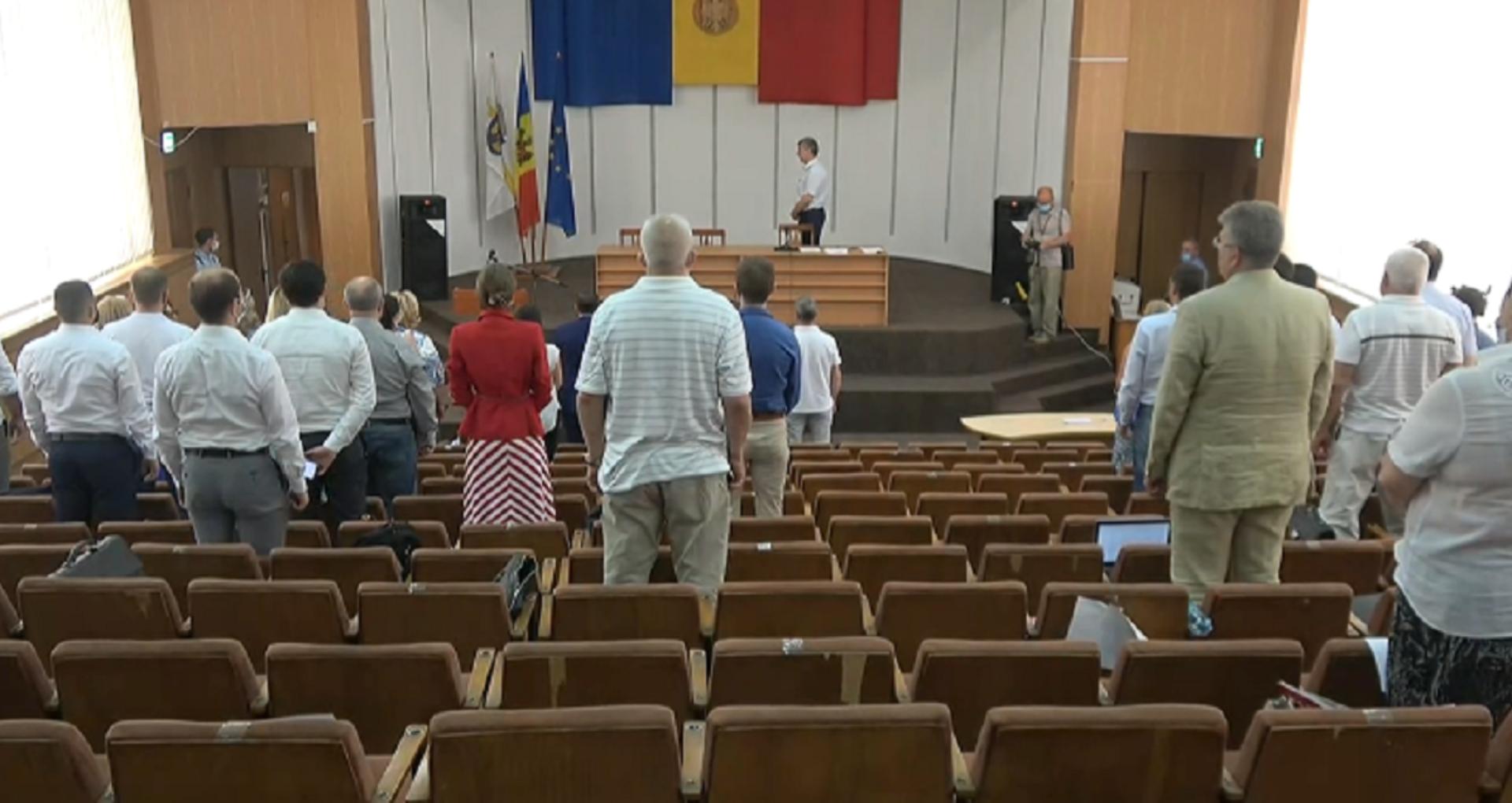 LIVE/ Consilierii municipali se întrunesc în ședință. Pe ordinea de zi sunt programate 14 subiecte