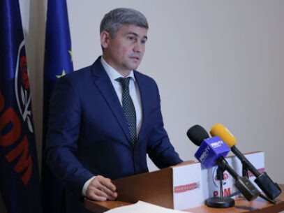"""""""Frigăruii au devenit o metodă populară pentru unii politicieni din Moldova"""". Jizdan, despre plecarea din fracțiune a membrilor Organizației Teritoriale PDM din Briceni"""