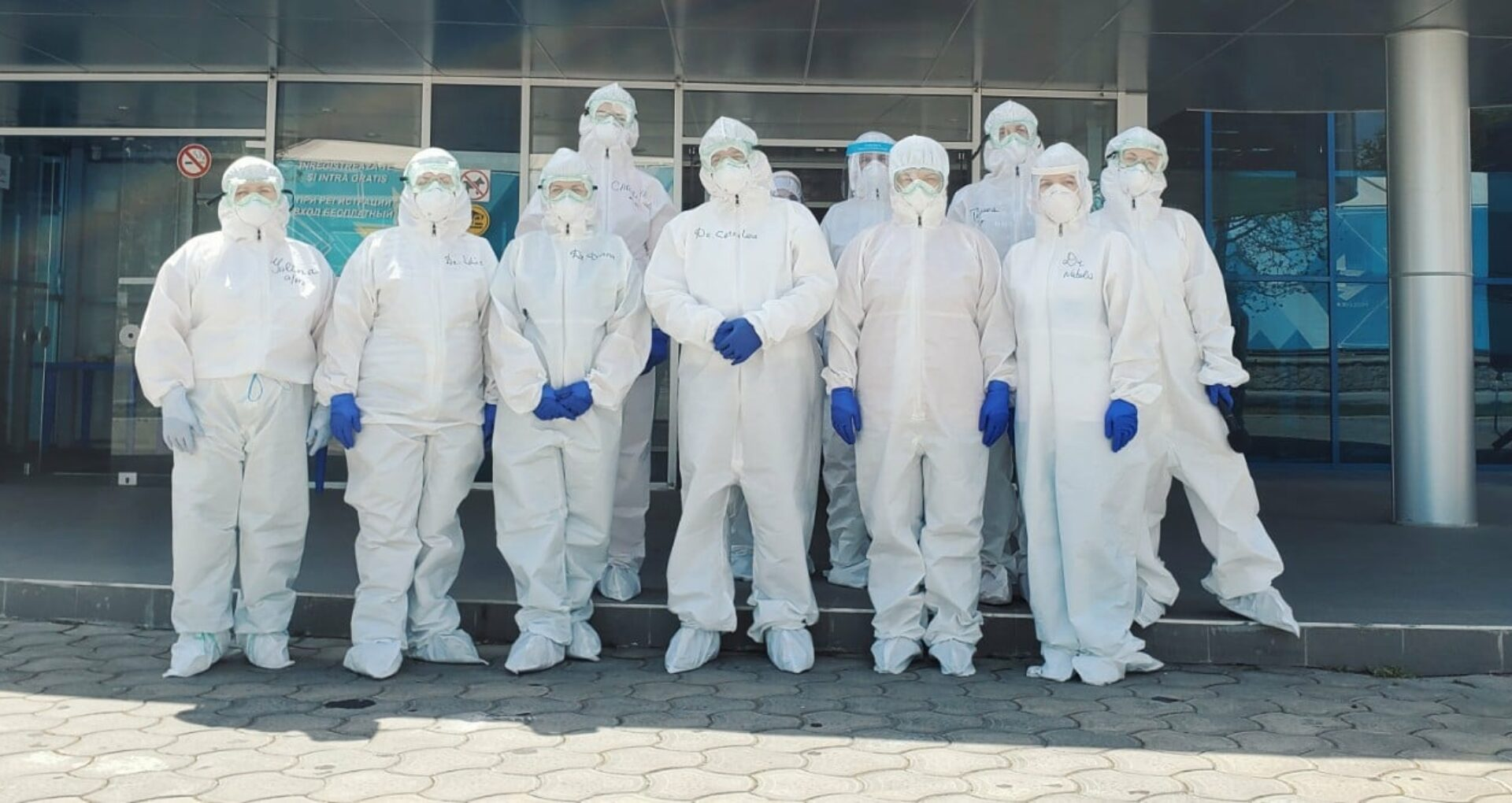 """DOC/ 134 de lucrători medicali, decorați post-mortem cu """"Ordinul de Onoare"""""""