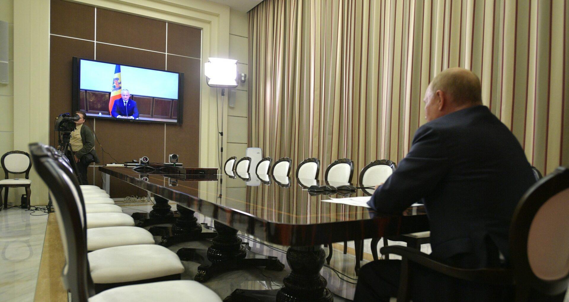 VIDEO/ Promisiuni în ajun de alegeri de la Kremlin pentru Igor Dodon: Vladimir Putin anunță că va oferi motorină de o jumătate de miliard de ruble pentru agricultorii moldoveni